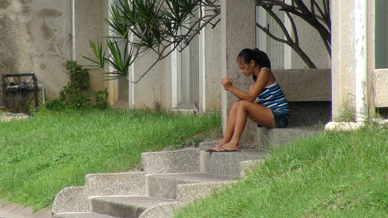 Teenage Filipina Pussy on the Step abotu to be Picked Up