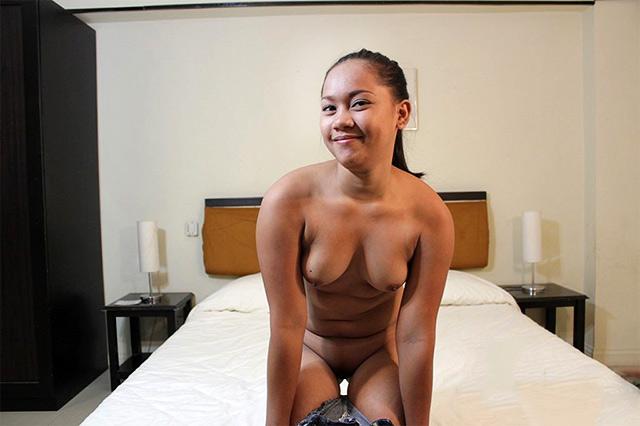 Chubby FIlipina Pussy girl Sophia lets tits hang