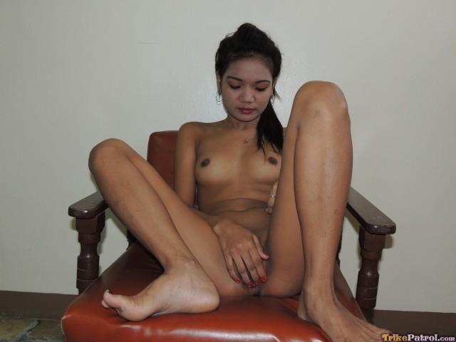 Girl orgasm through pants