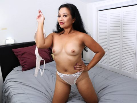 Sexy Asian milf gets naked and shows her thick body